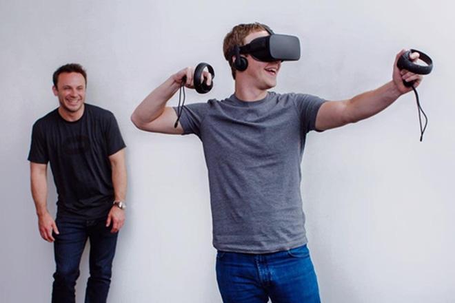 Năm 2014, Facebook mua lại hãng sản xuất thiết bị thực tế ảo Oculus, khi đó mới ở giai đoạn phát triển sơ khai, với giá 2 tỷ USD.<br>