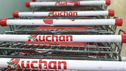 Xe đẩy bên trong một siêu thị của Auchan tại Việt Nam. Ảnh: Hoài Thu