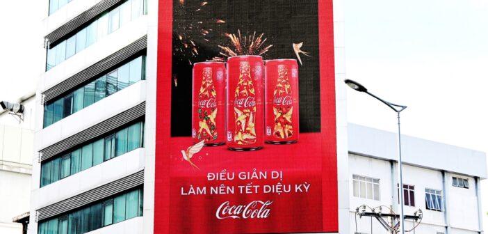 Cộng đồng háo hức với thông điệp tết ý nghĩa từ Coca-Cola