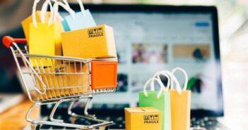 """Shopee: 4 kiểu """"shopping"""" của người Việt khi mua sắm trực tuyến"""